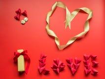 Concept minimal de configuration plate pour le jour du ` s de valentine et le nouveau voix pour chinois Photos stock