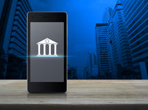 Concept mobile d'opérations bancaires Photos libres de droits