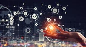 Concept mondial de technologie de media Media mélangé Images stock