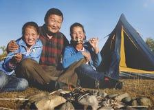 Concept mongol de bonheur de famille d'amusement de camping Photo libre de droits