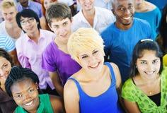 Concept multi-ethnique d'amitié de travail d'équipe de foule Images libres de droits