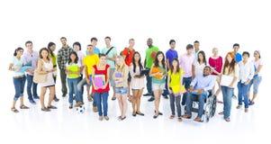 Concept multi-ethnique des jeunes de grand groupe photographie stock libre de droits