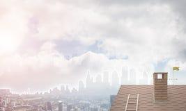 Concept onroerende goederen en bouw met getrokken silhouet op grote stadsachtergrond Royalty-vrije Stock Afbeeldingen