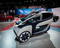 Concept 2014 personnel de véhicule de mobilité de je-route de Toyota images libres de droits