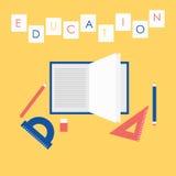 Concept plat d'illustration de conception d'éducation Ouvrez le livre, les maths équipement et les outils des textes d'écriture Images stock