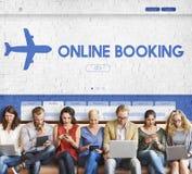 Concept plat de déplacement de vol de réservation en ligne photographie stock