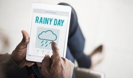 Concept pluvieux de nuage de temps de prévision de jour pluvieux photos stock