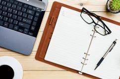 concept pour des affaires et la journalisation Vue supérieure Image stock