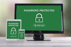 Concept protégé par mot de passe sur différents dispositifs photos stock