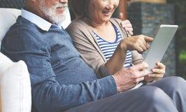 Concept riant de vacances de bonheur adulte de couples Images libres de droits