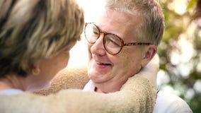 Concept Romance d'amour de couples supérieurs pluss âgé Images stock
