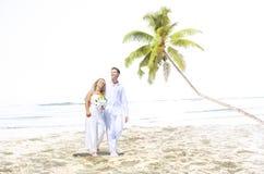 Concept Romance de mariage d'amour de plage de couples Photographie stock libre de droits