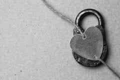 Concept romantique - coeur et cadenas Photographie stock libre de droits