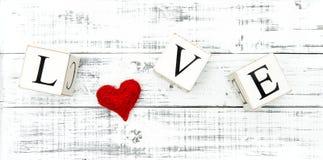 Concept rouge de jour de valentines de coeur d'AMOUR de lettre Images libres de droits