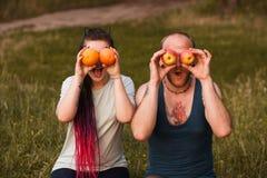 Concept sain de plaisanterie d'homme de femme de nature de fruit Photo libre de droits
