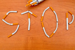 Concept sain de style de vie Quittez l'image contre le tabac rendue par Smoking Photo libre de droits