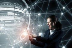 Concept sans fil global de connexion Media mélangé Image stock