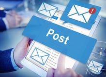 Concept satisfait de communication d'opinion de courrier d'Internet de courrier photos stock