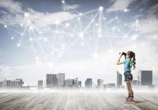 Concept sociaal draadloos verbinding en Internet-gebruik voor commu stock foto's
