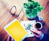 Concept social de lancement de Tablette de Digital de communication Photos libres de droits