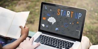 Concept start het Nieuwe van de Bedrijfslanceringsontwikkeling stock foto's