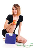 Concept suivant un régime de jeune femme en bonne santé de verticale Photos stock