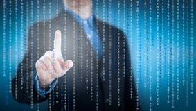 Concept toekomst, zakenman die met digitale virtuele puinkegel werken Stock Afbeeldingen