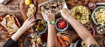Concept traditionnel de nourriture d'arrangement de dîner de célébration de thanksgiving photo libre de droits