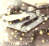 Concept : Vacances de Noël Lieu de travail dans le bureau disposition Photographie stock libre de droits