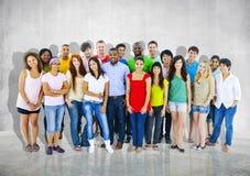 Concept van de de Menigtediversiteit van groepsmensen het Toevallige Communautaire samen Royalty-vrije Stock Afbeeldingen