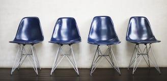 Concept vide urbain de l'espace d'intérieur de meubles de chaise Images stock