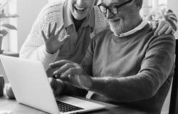 Concept vivant de mode de vie supérieur de couples de retraite Photo stock