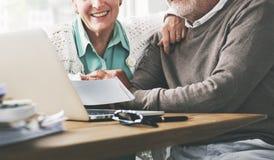 Concept vivant de mode de vie supérieur de couples de retraite Photographie stock