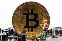 Concepten bitcoin mijnbouw royalty-vrije stock afbeeldingen