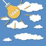 Concepten Helder Idee Lamp met Ideeword Lichten in de Hemel Stock Foto