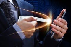 Concepten online betaling, schenking, netwerk, contant geld en cryptocurrency E-bankwezen en Elektronische handel Winstprijs in l Royalty-vrije Stock Foto's