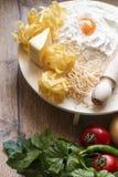 Conceptenfoto in de keuken; macaroni stock foto