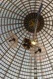 Conception à jour d'un dôme fait de verre et métal Photographie stock libre de droits