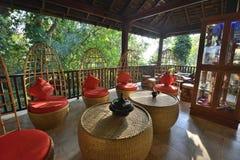 Conception brute intérieure de restaurant de style de Myanmar photographie stock libre de droits