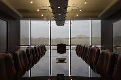 Conception contemporaine de salle de réunion formelle vide Image libre de droits