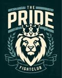 Conception d'emblème avec le lion dans la couronne images stock