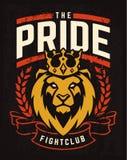 Conception d'emblème avec le lion dans la couronne photos stock