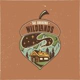 Conception d'illustration de gland d'insigne de camping de cru Logo extérieur avec la citation - les terres non cultivées inconnu illustration de vecteur