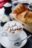 Conception de cappuccino de petit déjeuner - bonjour photos libres de droits