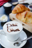 Conception de cappuccino de petit déjeuner - vers le bas dessous photos libres de droits