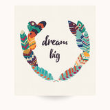 Conception de carte postale avec la citation inspirée et les plumes colorées de Bohème Image libre de droits