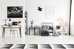 Conception de chambre à coucher avec les accessoires gris image libre de droits