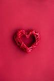 Conception de couleur rouge pour romantique avec l'espace de vue supérieure de coeur pour le texte Photographie stock