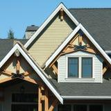 Détails extérieurs à la maison de toit images libres de droits