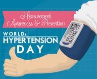 Conception de jour d'hypertension du monde avec le Sphygmomanometer et le pouce de Digital, illustration de vecteur Images libres de droits